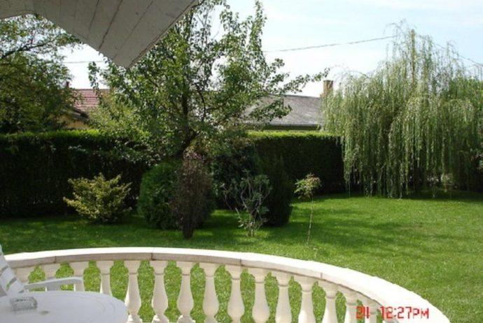 abádszalóki-szállás-balkon-kert-1